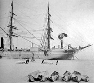 Ernest Shackleton - The expedition ship Discovery in Antarctic waters