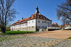 Dobrichovice castle.jpg