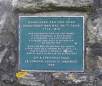 Scottish Gaelic literature - The Gaelic inscription plaque on the memorial to the poet Duncan Ban MacIntyre, born in 1724 at Druim Liaghart and who died in 1812.