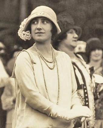 The Duchess of York in Queensland, 1927 Elizabeth Bowes-Lyon (cropped).jpg