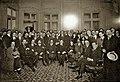 En la casa de Arturo Alessandri y diversos dirigentes políticos, cuando se conoció los resultados de las elecciones de 1920.jpg