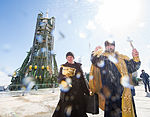 Expedition 47 Soyuz Blessing (NHQ201603170003).jpg