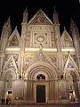 Facade de nuit cathédrale d'Orvieto.JPG