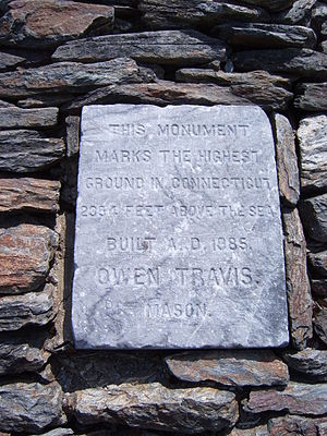 Bear Mountain (Connecticut) - Erroneous inscription at summit