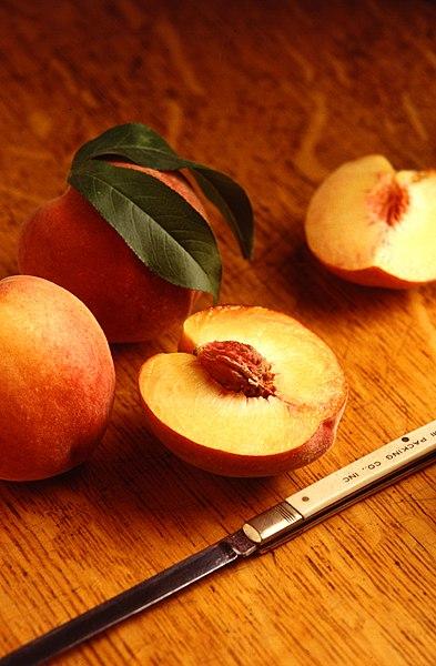 File:Flavorcrest peaches.jpg
