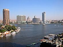 İskenderiye'de bulunan San Stefano Grand Plaza (solda) ve Kahire'den görünümü.