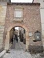 Fontecchio - Porta Castello.jpg