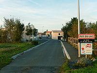 France - 17 - Puy-du-Lac - La Jarrie par le Sud.JPG