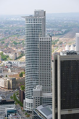 Frankfurt Am Main-Westend Tower-Ansicht vom Maintower.jpg