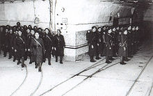 220px-French_soldiers_on_Maginot_Line.jp