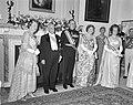 Galadiner in de Ambassade van Oostenrijk . Koningin Juliana , Scharf en Prins Be, Bestanddeelnr 912-4935.jpg