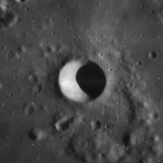 Gambart (crater) - Image: Gambart A crater 4121 h 1