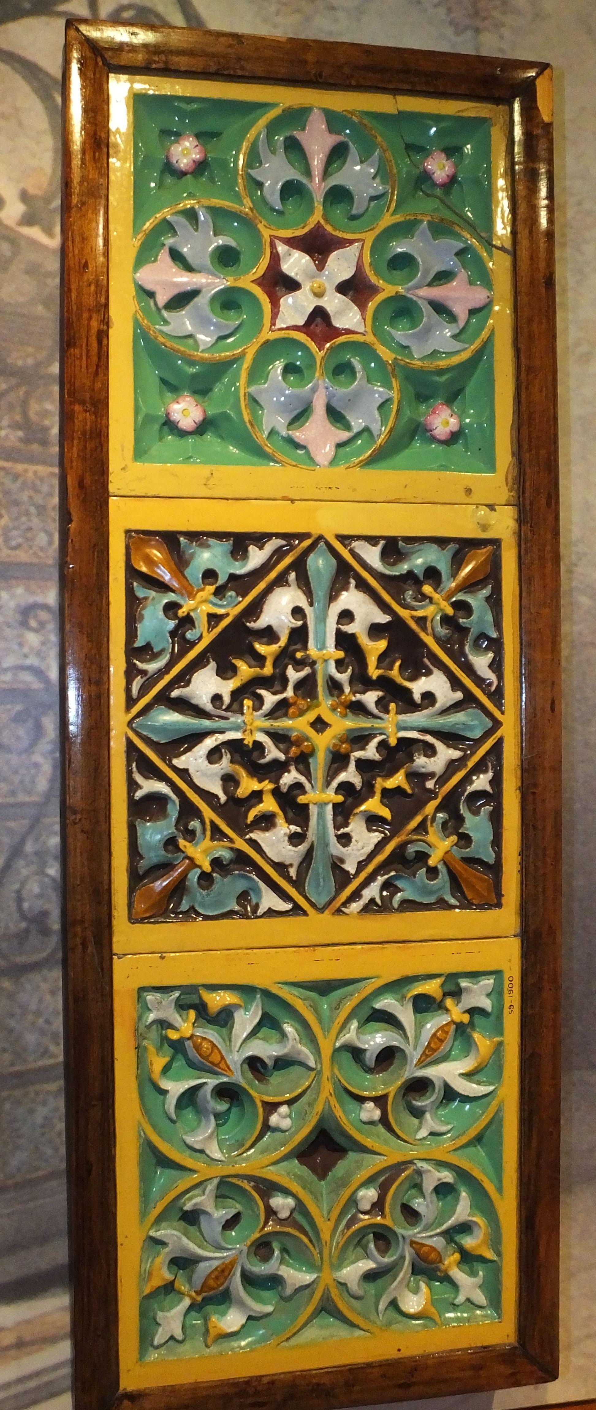 FileGladstone Minton majolica glaze pressed tiles gallery 3875c.JPG & File:Gladstone Minton majolica glaze pressed tiles gallery 3875c.JPG ...