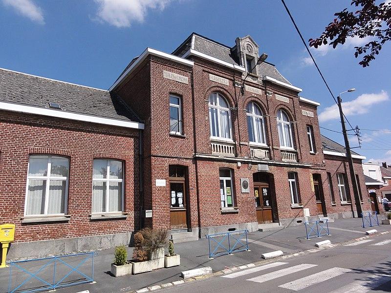 Gognies-Chaussée (Nord, Fr) mairie et écoles