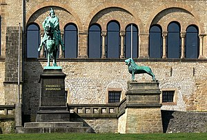 Imperial Palace of Goslar - Bronze sculptures in front of the palace