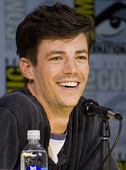 Grant Gustin SDCC 2017 (cropped).jpg