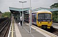 Greenford station MMB 04 165134.jpg