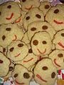 Gros plan de gâteaux sourires.JPG