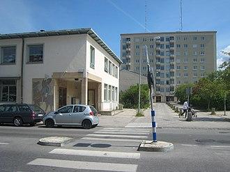 Hägerstensåsen - Riksdalertorget (Riksdaler square).