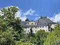 Hôtel La Robéyère (Embrun) depuis le chemin sous le Roc.jpg