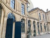 Hôtel d'Évreux, cour 03.jpg