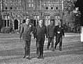H. M. ontvangt Lord Ismay op Raaphorst te Wassenaar, Bestanddeelnr 905-3776.jpg