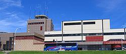 Eingangshalle und Tower des Flughafens Halifax/Stanfield
