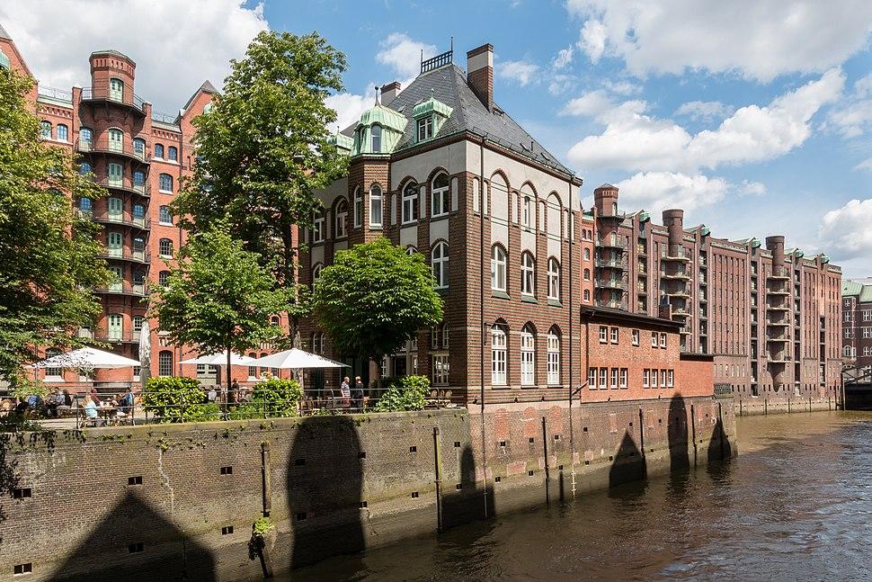 Hamburg, Speicherstadt, Wasserschloss -- 2016 -- 2971