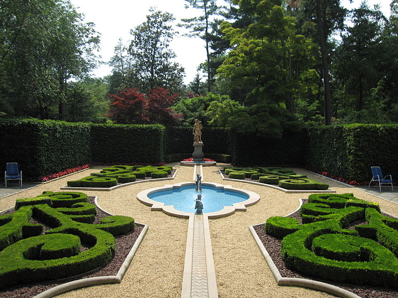 Файл: Hillwood Estate 2.JPG