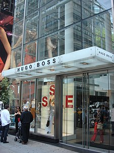 obchod Hugo Boss na 5th Avenue v NYC