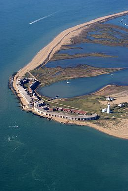 Hurst Castle, near Milford on Sea, Hampshire, England-2Oct2010.jpg