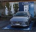 Hyundai Ioniq Elektro an einer ALDI SÜD Ladestation in Hilden.jpg