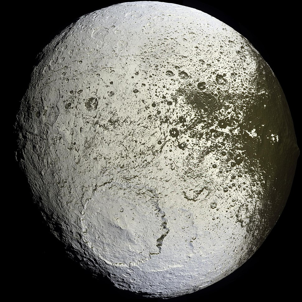Iapetus as seen by the Cassini probe - 20071008 (cropped).jpg