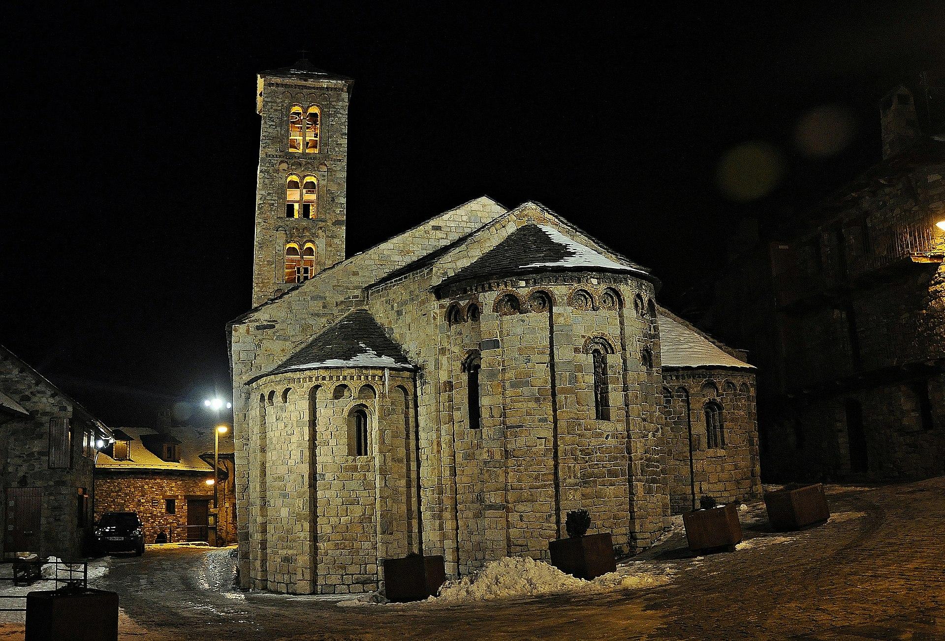 Santa María de Tahull de noche