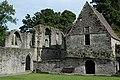 Inchmahome Priory - panoramio - Neil Aitkenhead.jpg