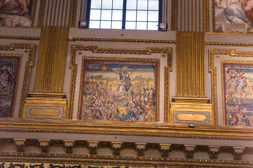 Interior of Santa Maria Maggiore (Rome) 17.jpg