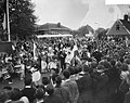 Intocht van Louis Armstrong in Blokker i.v.m. de muziekfestival, Bestanddeelnr 910-3581.jpg