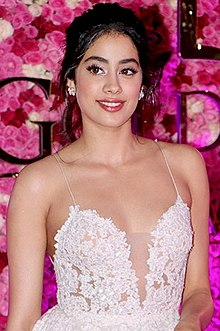 Janhvi Kapoor graces Lux Golden Rose Awards 2018 (01).jpg