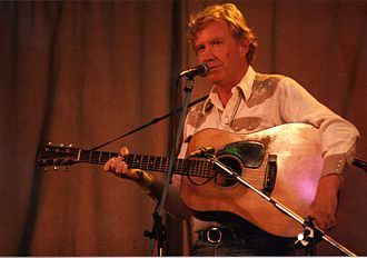Jim Rooney (music) - Jim Rooney on stage at the 1985 Cambridge Folk Festival