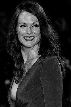 Julianne Moore Wiki