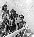 Két nő és egy férfi, 1940 Debrecen. Fortepan 5588.jpg