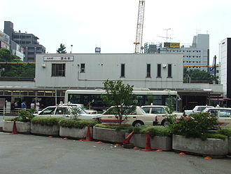 Chōfu Station (Tokyo) - Chōfu Station in 2007 (north side, before the open of the underground tracks)