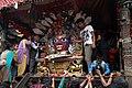 Kathmandu-Indra Chowk-Akash Bhairab-16-Kopf-Opfer-2015-gje.jpg
