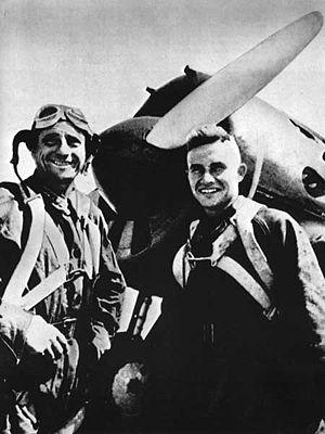 Polikarpov I-16 - VVS pilots at Khalkin Gol in front of their I-16 in August 1939.
