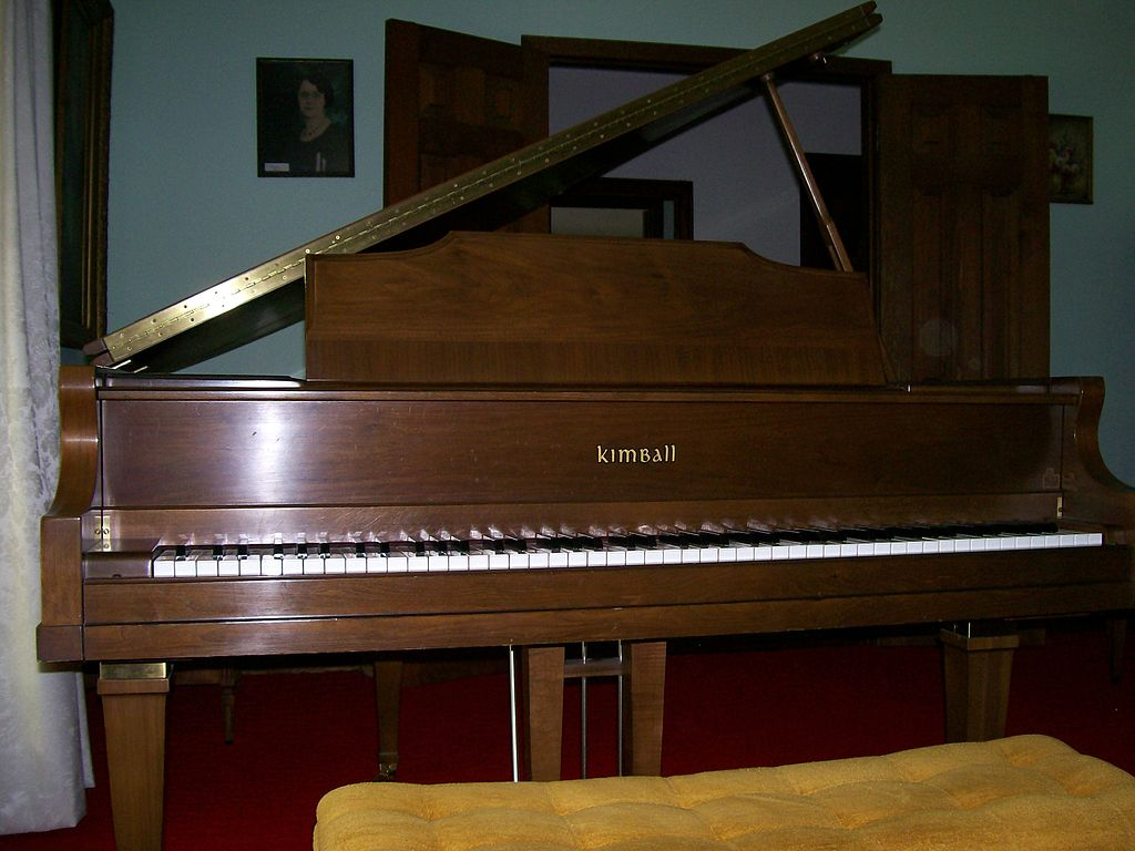 File kimball grand wikimedia commons for What size is a grand piano
