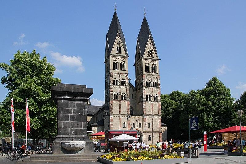 File:Koblenz im Buga-Jahr 2011 - Basilika St Kastor 01.jpg