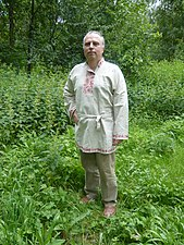 Kosovorotka - A man in a kosovorotka shirt.