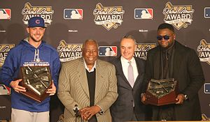Hank Aaron Award - Kris Bryant (far left) and David Ortiz (far right) pose with Hank Aaron (center left) and Rob Manfred (center right) after receiving the 2016 awards