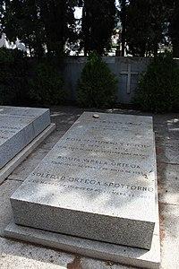 Lápida de José Ortega y Gasset.JPG