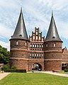 Lübeck, Holstentor -- 2017 -- 0305.jpg